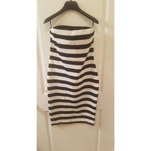 EXPRESS - Strapless Midi Dress